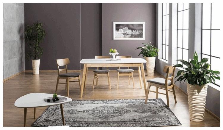 Drewniane stoły kuchenne, które sprawdzą się w każdym domu