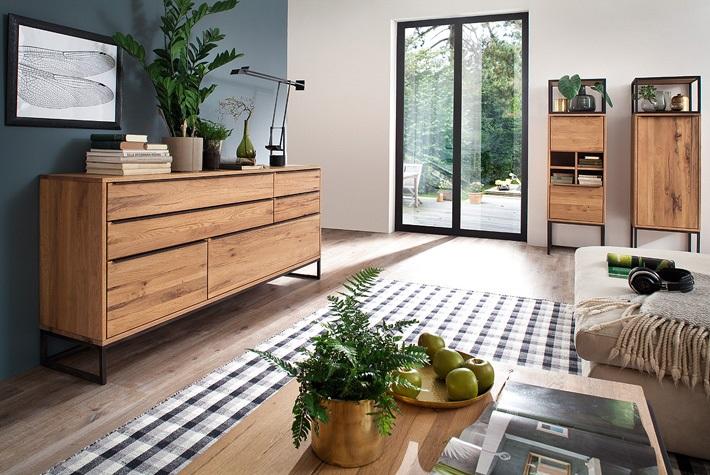 Komoda drewniana – czy tylko do salonu?